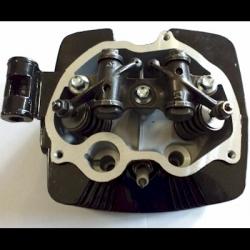 Cabeza de Cilindro Completa FT150 / FT150 GT - Custom Chinas 150cc (negro) - 1 Salida para Escape