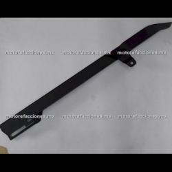 Guarda / Cubre Cadena Italika TC200 / RC200 / TC250 / Carabela C200 - (negro mate)