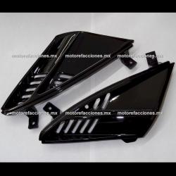 Tomas de Aire de Tapa de Faro Italika DS150 - Vento Phantom R5 - Carabela VX150 - Dream Siluete (Negro Brillante)